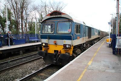 59101 1338/7c77 Acton-Merehead passing Reading West.