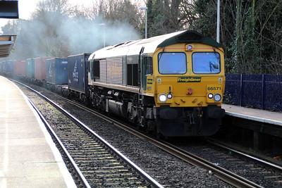 66571 1416/4m61 Southampton-Trafford Park passing Reading West.
