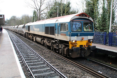 59102 1126/7A09 Merehead-Acton passing Reading West.