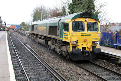 66503 1018/4o14 Birch Coppice-Southampton passing Reading West.