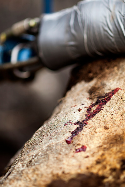 Blood on the rocks indicates that, while not usually fatal, highlining can still hurt!