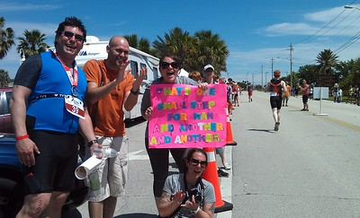 Space tweeps @buddhake, @therealdjflux, @SpaceLauren, and @onelittlebecca cheer the runners on