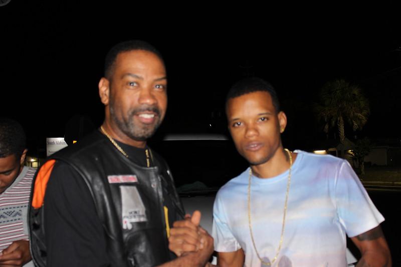 """PrimeTime take picture with Rapper """"Rich Boy"""""""