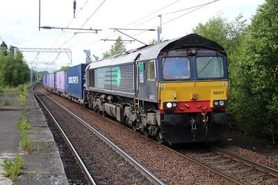 66421 1600/4m82 Coatbridge FLT-Daventry passes Coatbridge 20/06/13.