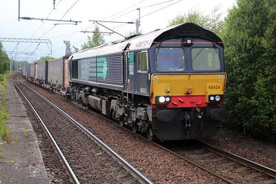 66424 2103/4m30 Grangemouth-Daventry passes Coatbridge 20/06/13.
