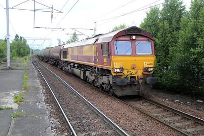 66108 2043/6m34 Grangemouth-Carlisle passes Coatbridge 20/06/13.