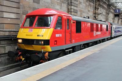 90018 at Glasgow Central having hauled the 1s26 Euston-Glasgow sleeper service 20/06/13