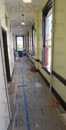 MET0927137th&wabash hallway