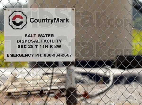 MET0906113oil&gas signage