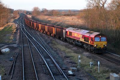 66140 0834/6k21 Santon-Immingham passes Brocklesby.