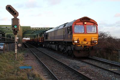 66051 1519/6v19 Scunthorpe-Llanwern passes Althorpe.