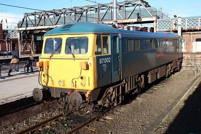 87002 'Royal Sovereign' sits in the bay platform at Doncaster.