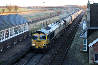 66539 0857/6R08 Immingham-Drax passes Brocklesby.