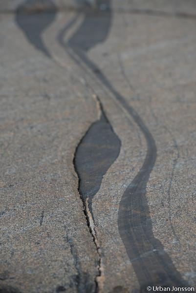 Konstverk i berggrunden.