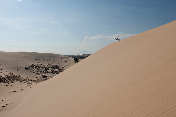 Upside down over the dunes.