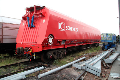 HTA 310318 with closing roof doors. DB Trial wagon?
