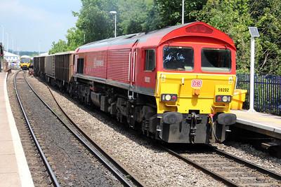 59202 1341/7c77 Acton-Merehead passes Reading West.