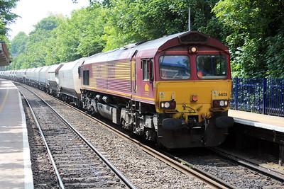 66128 1240/6m20 Whatley-St.Pancras passes Reading West.