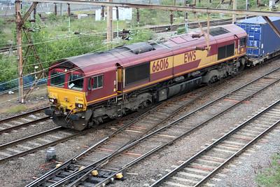 66016 1732/4m31 Dollands Moor-Wembley passes Willesden Jct.
