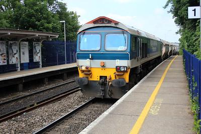 59102 1454/6c76 Acton-Merehead passes Reading West.