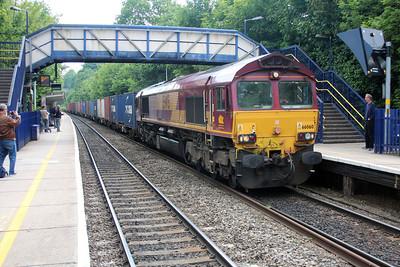 66060 1458/6v38 Marchwood-Didcot passes Reading West.