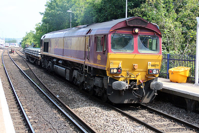 66079 1121/6o26 Hincksey-Eastleigh passes Reading West with Load 1.