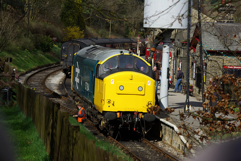 37264 in arrival at Oxenhope having worked the 15:20 from Keighley 26/04/13