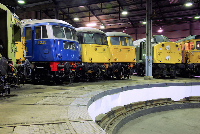"E3035 + 85006 + 81002 + D213 at the  <a href=""http://www.wnxx.com"">http://www.wnxx.com</a> night photoshoot at Barrow Hill Roundhouse 01/02/13"