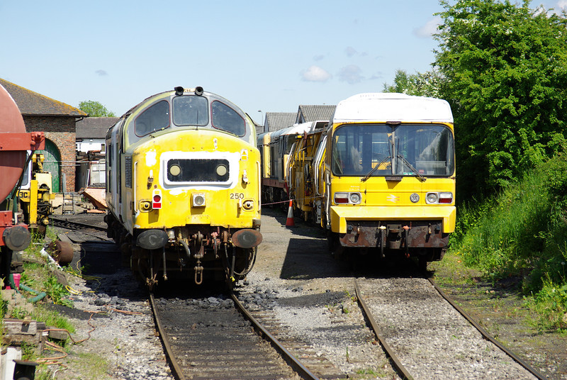 D4082 - 37250 LEV1 Leeming Bar 08-06-13