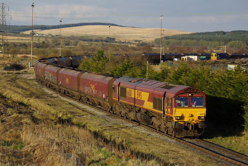 66011 loads at Onllwyn Coal Washery and will go forward as the 20:12 to Aberthaw Power Station 30/04/13