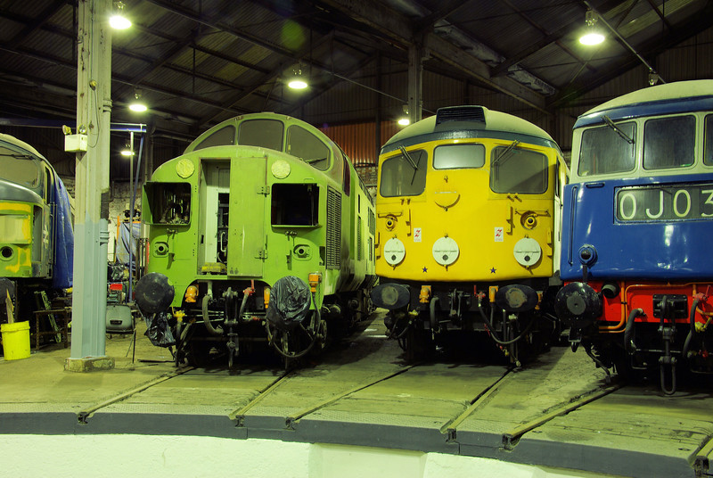 "37057 + 26007 at the  <a href=""http://www.wnxx.com"">http://www.wnxx.com</a> night photoshoot at Barrow Hill Roundhouse 01/02/13"