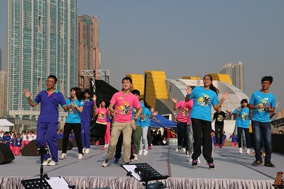 2013-11-16-萬人讚美操國際組 -- 青少年