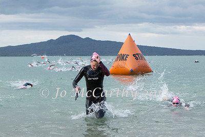 Race 1 of Stroke and Stride 2013/2014 series, Mission Bay, Auckland, New Zealand. Thursday 14 November 2013.