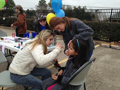 Jacy Brown, Brooke Englehardt, Cameron Wilburn and Ty Kempken at the Face Painting booth