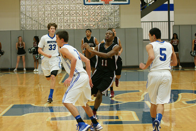 010813 AHS Varsity Mens BB vs South Forsyth 004