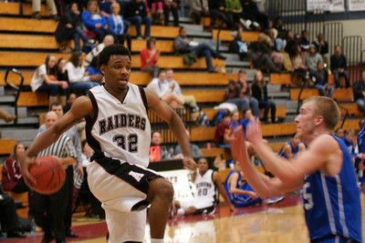 020113 AHS Varsity Mens BB vs South Forsyth 021