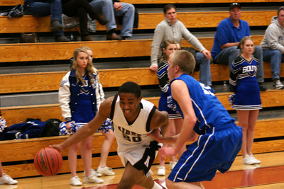 020113 AHS Varsity Mens BB vs South Forsyth 010