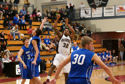 020113 AHS Varsity Mens BB vs South Forsyth 018