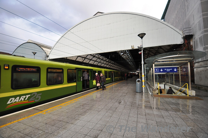Pearse Station showing one of the new southern access points to the platform. Thurs 11.04.13