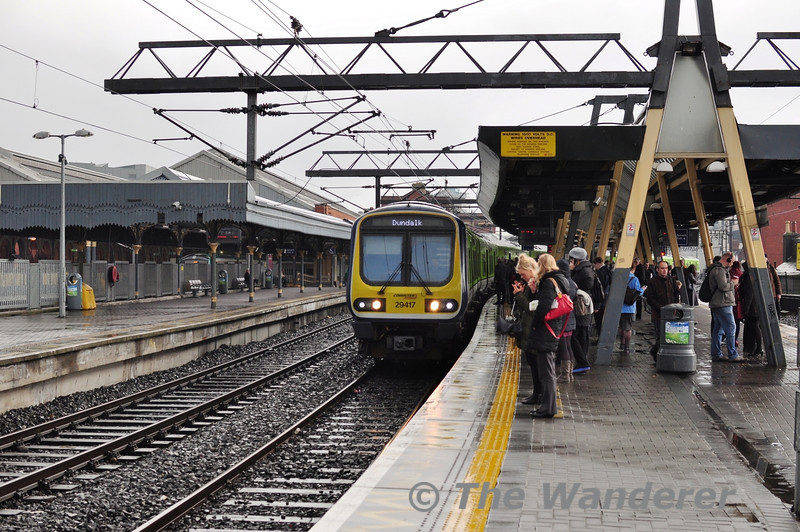 29017 + 29020 arrive at Connolly with the 1713 Pearse - Dundalk. Thurs 11.04.13