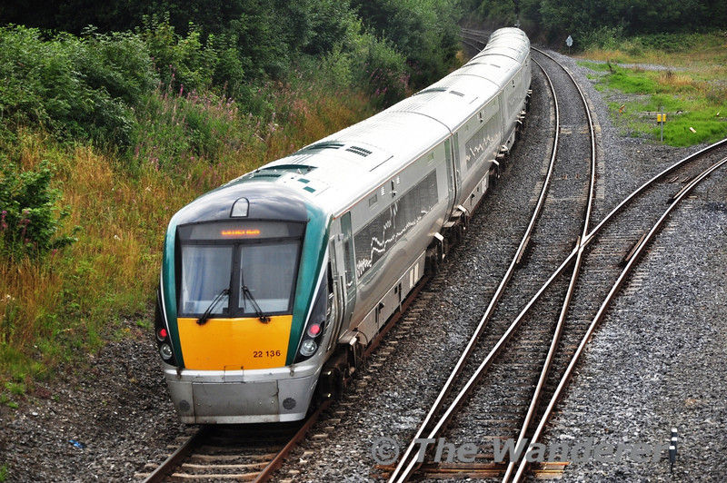 22036 departs Portarlington with the 1725 Heuston - Limerick. Tues 13.08.13