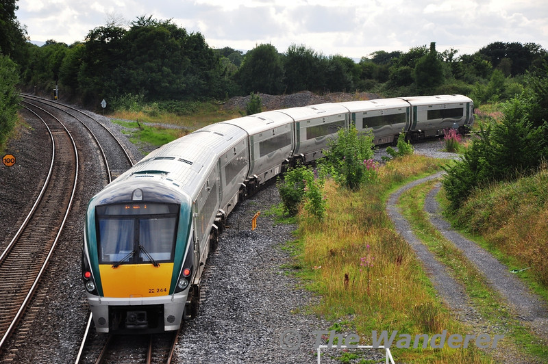 22044 takes the Athlone branch at Portarlington with the 1730 Heuston - Galway.  This service, and the 1640 Heuston - Waterford are the only departures from Heuston that regularly feature High Capacity sets. Tues 13.08.13