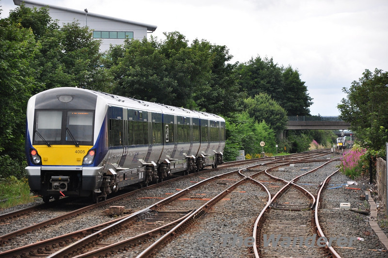 4005 departs from Lisburn with the 1057 Bangor - Portadown. Sat 24.08.13