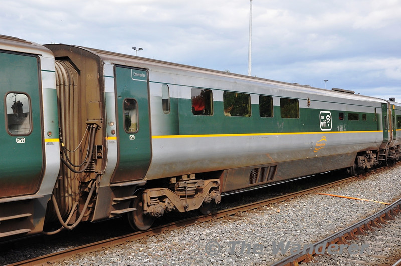 "Buffet 9404 in the formation of the 1600 Dublin Connolly - Belfast Central ""Enterprise"" service at Drogheda. Sun 11.08.13"