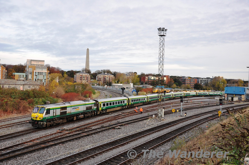 229 departs from Heuston with the 1000 to Cork. Tues 03.12.13