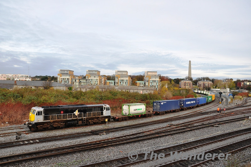 074 passes Islandbridge Jct. with the 0935 North Wall - Ballina Liner. Tues 03.12.13
