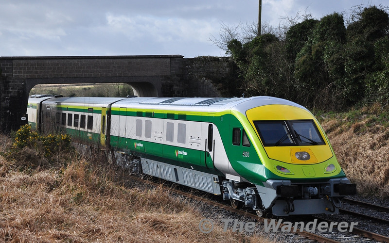 4003 has recently been overhauled and is the first MKIV Vehicle to have a complete repaint since the fleet entered service in 2006. The vehicle is also the first to recieve the new Iarnrod Eireann logo. It is pictured at Rosskelton in the formation of the 1200 Heuston - Cork. Wed 14.02.13
