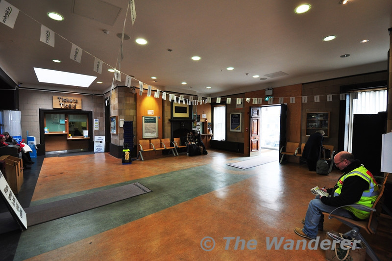 The smart concourse of Sligo Station. Passengers can wait in the warm comfortable surroundings until the train is ready for boarding. Sat 23.02.13