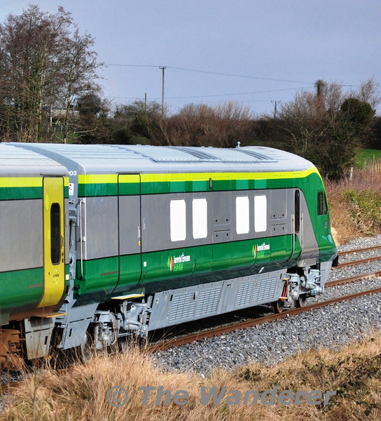 At the rear of the 1200 Heuston - Cork was overhauled and repainted DVT 4003, complete with the new Iarnrod Eireann Irish Rail Logo. Wed 14.02.13