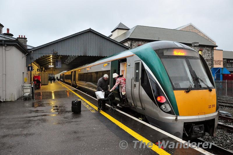 Passengers disembark from the 1535 Mallow - Tralee at Killarney. Fri 11.01.13